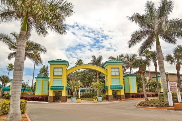International-Palms-Resort-1024x683